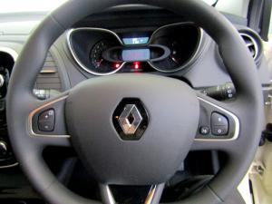 Renault Captur 900T Blaze 5-Door - Image 31