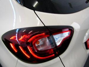 Renault Captur 900T Blaze 5-Door - Image 6