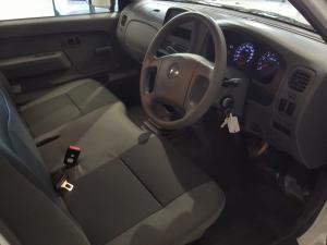 Nissan NP300 Hardbody 2.0 - Image 7