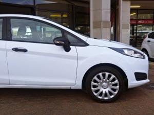 Ford Fiesta 1.0 Ecoboost Ambiente Powershift 5-Door - Image 7