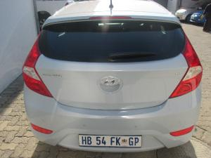 Hyundai Accent hatch 1.6 Fluid - Image 3