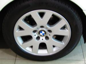 BMW 318i automatic - Image 10