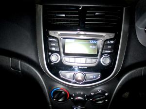 Hyundai Accent 1.6 GLS/FLUID - Image 15