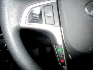 Hyundai Accent 1.6 GLS/FLUID - Image 17