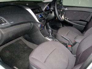 Hyundai Accent 1.6 GLS/FLUID - Image 23