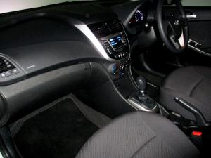 Hyundai Accent 1.6 GLS/FLUID - Image 24