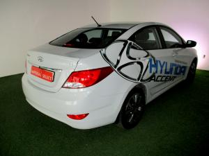 Hyundai Accent 1.6 GLS/FLUID - Image 5