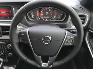 Volvo V40 T4 Momentum auto - Image 12