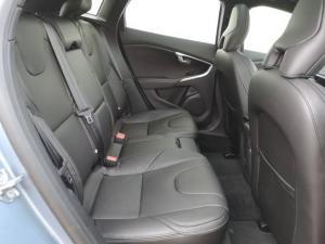 Volvo V40 T4 Momentum auto - Image 16