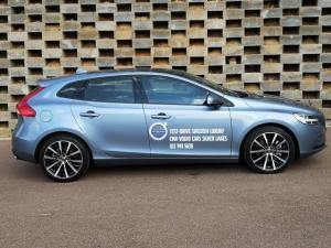Volvo V40 T4 Momentum auto - Image 6