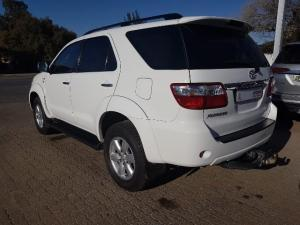 Toyota Fortuner 3.0D-4D Raised Body automatic - Image 4
