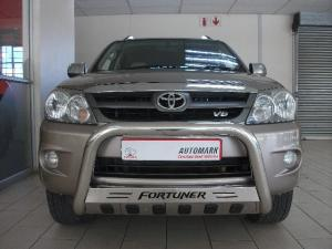 Toyota Fortuner V6 4.0 4x4 automatic - Image 2