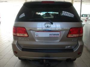 Toyota Fortuner V6 4.0 4x4 automatic - Image 3