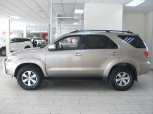 Toyota Fortuner V6 4.0 4x4 automatic - Image 4