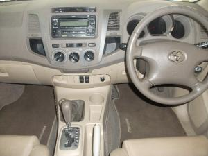 Toyota Fortuner V6 4.0 4x4 automatic - Image 5