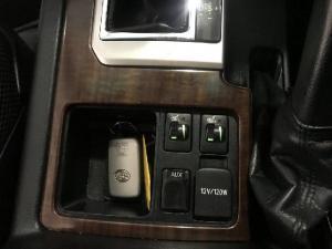 Toyota Land Cruiser Prado 4.0 VX - Image 15