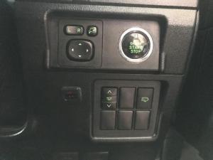 Toyota Land Cruiser Prado 4.0 VX - Image 16