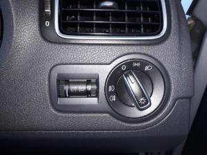 Volkswagen Polo sedan 1.6 Comfortline auto - Image 14