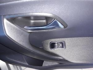 Volkswagen Polo sedan 1.6 Comfortline auto - Image 9