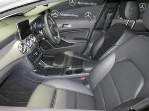 Mercedes-Benz GLA 200 automatic - Image 9