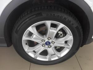 Ford Kuga 2.0 Ecoboost Titanium AWD automatic - Image 6