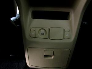 Kia Sedona 2.2D SXL automatic - Image 13