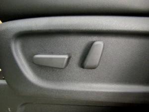Kia Sedona 2.2D SXL automatic - Image 16