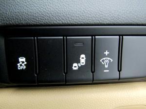Kia Sedona 2.2D SXL automatic - Image 30