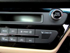 Kia Sedona 2.2D SXL automatic - Image 36