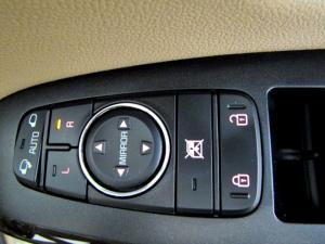Kia Sedona 2.2D SXL automatic - Image 72