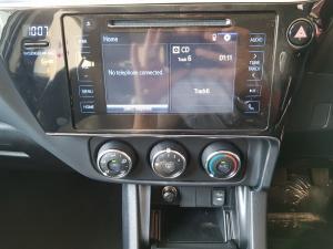 Toyota Corolla 1.3 Prestige - Image 13