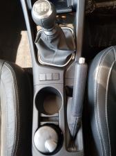Toyota Corolla 1.3 Prestige - Image 14