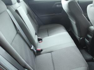 Toyota Auris 1.3 X - Image 14