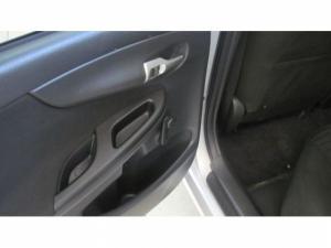 Toyota Corolla 1.6 Professional - Image 7