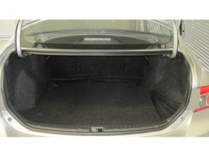 Toyota Corolla 1.6 Professional - Image 9