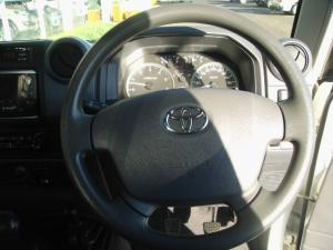 Toyota Land Cruiser 79 4.5DS/C - Image 19