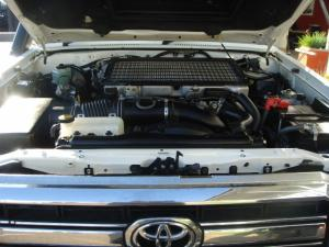 Toyota Land Cruiser 79 4.5DS/C - Image 20