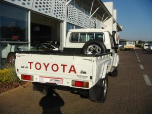 Toyota Land Cruiser 79 4.5DS/C - Image 8