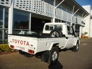Toyota Land Cruiser 79 4.5DS/C - Image 9
