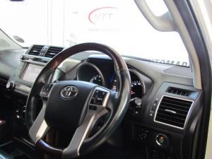 Toyota Prado VX 4.0 V6 automatic - Image 11