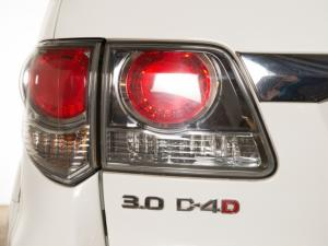 Toyota Fortuner 3.0D-4D 4X4 automatic - Image 7