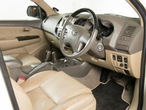 Toyota Fortuner 3.0D-4D 4X4 automatic - Image 8