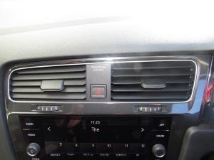 Volkswagen Golf VII 1.4 TSI Comfortline DSG - Image 12