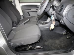 Volkswagen Take UP! 1.0 3-Door - Image 15