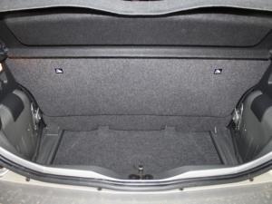 Volkswagen Take UP! 1.0 3-Door - Image 19