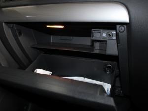 Volkswagen Jetta GP 1.6 Conceptline - Image 12