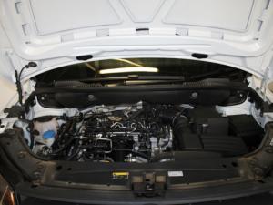 Volkswagen CADDY4 Crewbus 2.0 TDi - Image 20