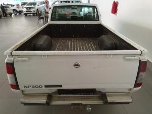 Nissan Hardbody NP300 2.5 TDi LWBS/C - Image 4