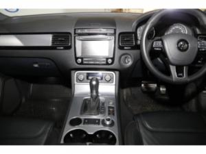 Volkswagen Touareg GP 3.0 V6 TDI Luxury TIP - Image 18