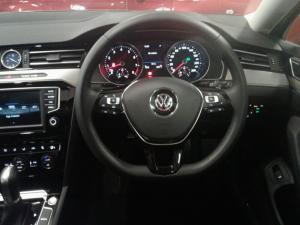 Volkswagen Passat 2.0 TSI R-LINE DSG - Image 10